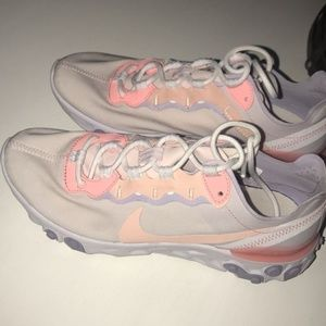 Women's Size 8 Nike React 55